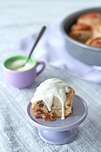 Cinnamon raisin buns with rum cream cheese icing | Kitchen Heals Soul