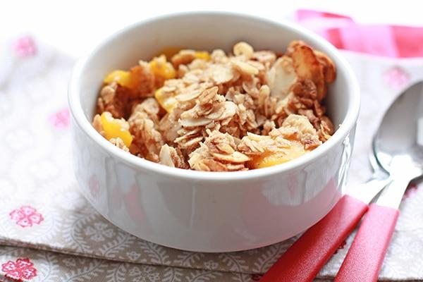 A bowl of mango breakfast crisp