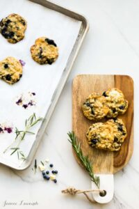 Oat blueberry cookies with white chocolate and rosemary |@ktchnhealssoul