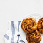 Turkish coffee kanelbullar knots: buns flavoured with cardamom and coffeee