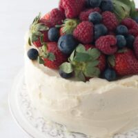 berry-chocolate-cake with cream cheese frosting