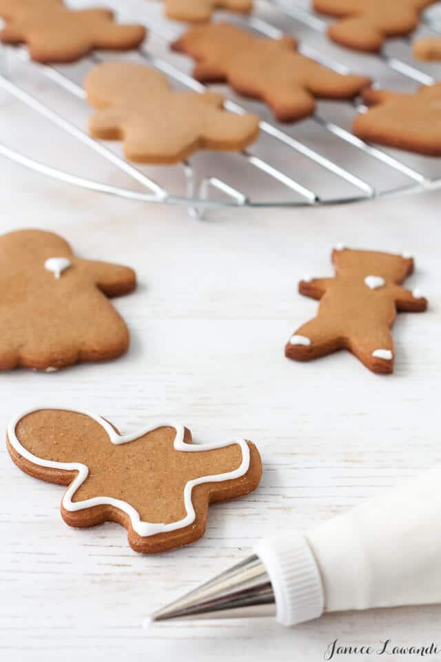 Decorating gingerbread cookie cutouts