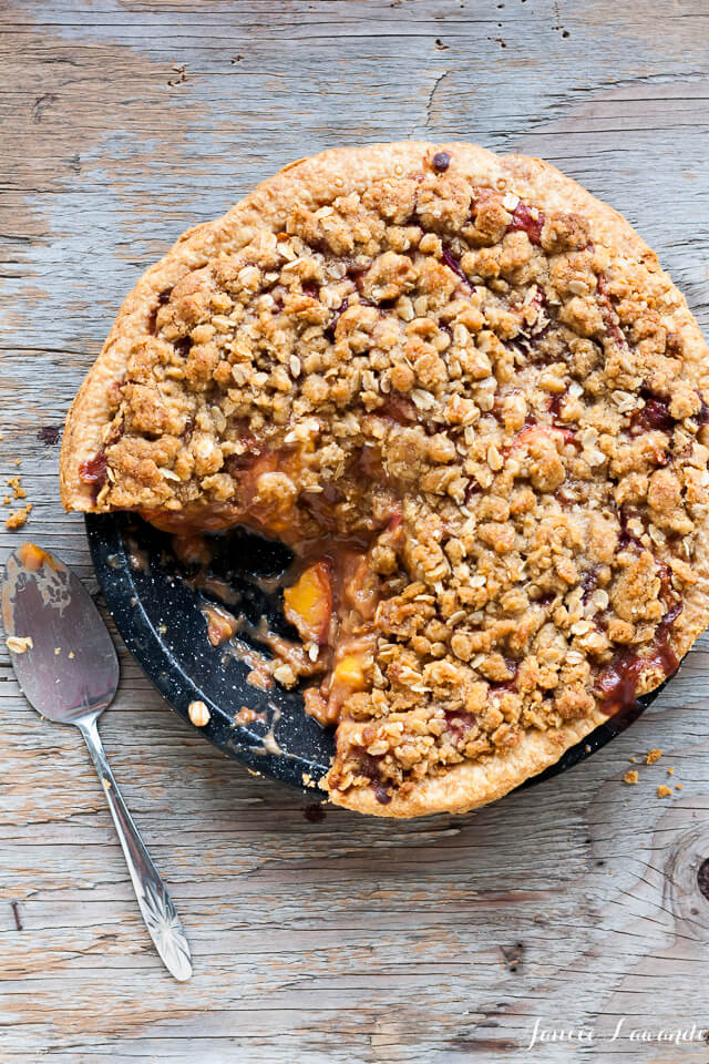 Whiskey peach crumble pie