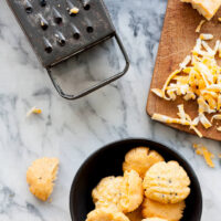 spicy cheddar biscuits