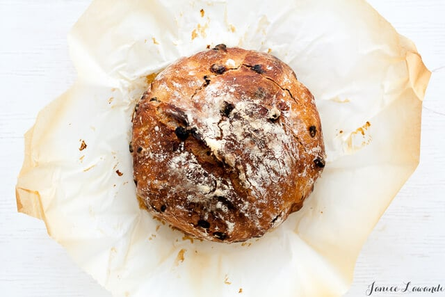 the baked bread - cinnamon raisin no knead bread