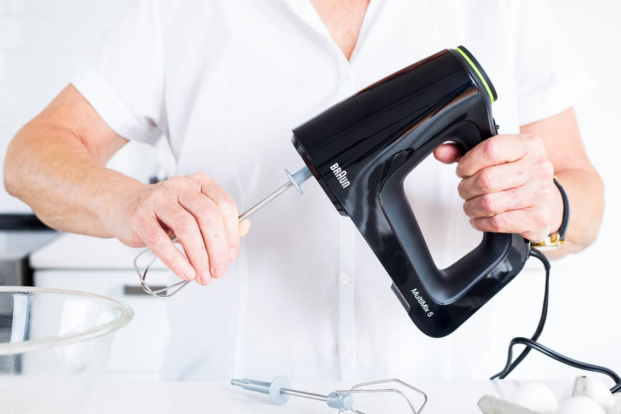 Attaching beaters to Braun hand mixer is easy